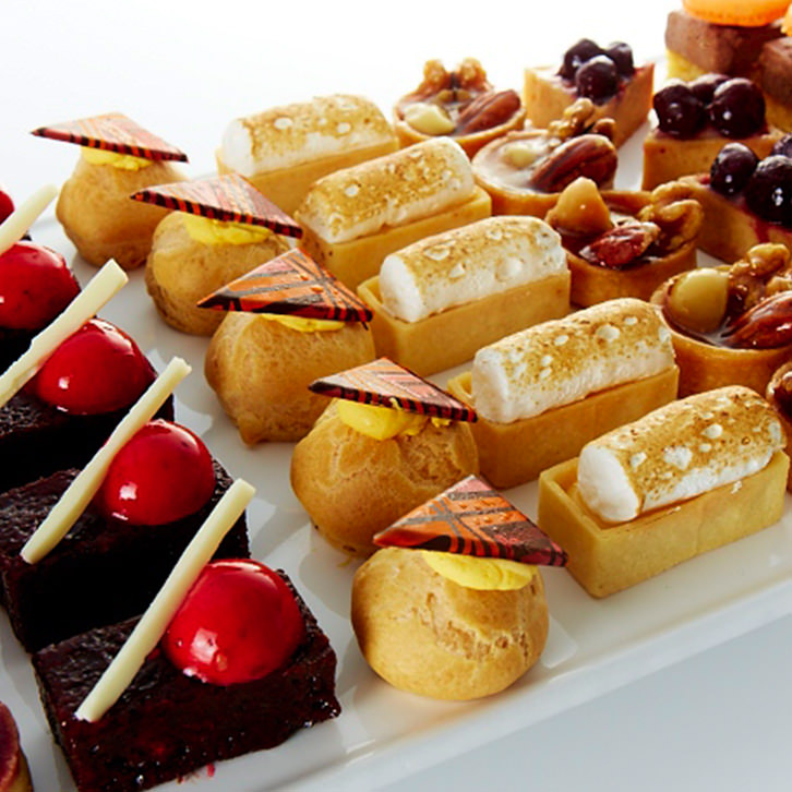 Dessert canap s devour it catering for Canape oriental